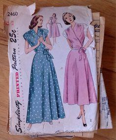 Vintage 1940s Simplicity 2460 Wrap Housedress