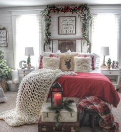 Cozy & Festive Christmas Bedroom Decorations To Keep Up All Holiday Season – Hike n Dip, … – Modern Christmas Bedroom, Farmhouse Christmas Decor, Cozy Christmas, Rustic Christmas, Christmas Themes, Christmas Bathroom Decor, Christmas Decorations For Bedroom, Farmhouse Decor, Xmas