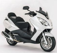 Le Satelis 400 est de retour avec une version II modernisée et plus puissante Maxi Scooter, Moped Scooter, Scooters, Peugeot, Motorbikes, Automobile, Iron, Sport, Street