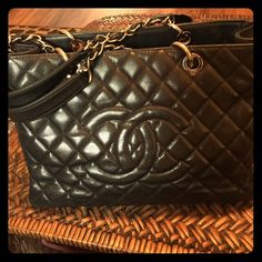 Chanel Classic Tote🛍💞🛍 🌺🛍🌸Classic Chanel tote that is in great condition I love this bag very much it comes with dust bag..The price is firm..Chanel caviar  leather holds its value..It is an investment..Bags are going for 3,200-3,800.Hardware is Silver tone✨🌸 Chanel Bags Totes