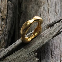 Hey, I found this really awesome Etsy listing at https://www.etsy.com/il-en/listing/519814729/square-wedding-band18k-gold-bandsolid