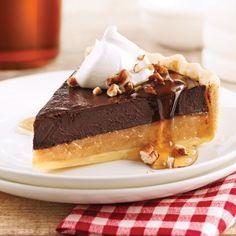 Chocolat et érable: un duo qui vous mènera tout droit au septième ciel! Pie Recipes, Sweet Recipes, Dessert Recipes, Cooking Recipes, Buffet Dessert, Pie Dessert, Brownies, Canadian Food, Canadian Recipes