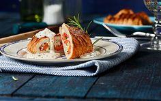 Ein einfaches aber doch raffiniertes Gericht für den Grill sind Putentaschen mit Fetafüllung. Knackige Paprika und milder Feta werden mit Kräutern vermischt und in ein Putenschnitzel gefüllt. Dazu passt perfekt die Knoblauchsauce von THOMY.
