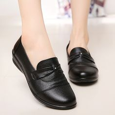 Arrival Genuine Leather Shoes Party Basic Solid Laceup Flat Shoes Women Round Toe Tenis Feminino Plus Size 3541 Color Black Shoe Size Trendy Womens Shoes, Womens Flats, Best Loafers, Women's Loafers, Best Casual Shoes, Women's Casual, Oxford Shoes Outfit, Women's Shoes, Flats Outfit