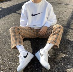 Hint of burberry vintage check️You can find Casual outfits and more on our website.Hint of burberry vintage check️ Indie Outfits, Retro Outfits, Cool Outfits, Vintage Outfits, Casual Outfits, Fashion Outfits, Flannel Outfits, Urban Outfits, Grunge Outfits