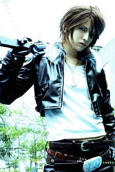 Squall / Final FantasyVIII; of course, a girl would pull this off SO well.
