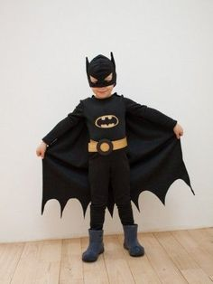 If you want to organize an unforgettable children's partyLet me share with you the best ideas of batman children's parties. Batman Costume For Boys, Batman Halloween Costume, Batman Costumes, Batman Outfits, Boy Costumes, Super Hero Costumes, Halloween Kostüm, Batman Party Supplies, Costume Garçon