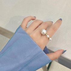 Temperament Geometric Round Pearl Ring – klozetstyle.com Shoppable Instagram, Fine Jewelry, Women Jewelry, Ring Shots, Geometric Jewelry, Pearl Ring, Girl Gifts, Latest Fashion For Women, Types Of Metal