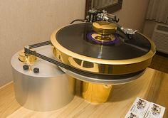 Audio Aero Turntable - www.remix-numerisation.fr - Rendez vos souvenirs durables ! - Sauvegarde - Transfert - Copie - Digitalisation - Exploration et Restauration de bande magnétique Audio - MiniDisc - Cassette Audio et Cassette VHS - VHSC - SVHSC - Video8 - Hi8 - Digital8 - MiniDv - Laserdisc - Bobine fil d'acier