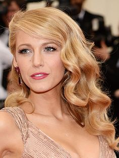To accentuate a dramatic dress, try thick, Old-Hollywood style waves as seen on Blake Lively.
