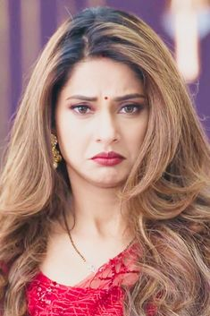 Jennifer Winget Tattoo, Jennifer Winget Beyhadh, Indian Tv Actress, Beautiful Indian Actress, Indian Actresses, Bollywood Girls, Bollywood Celebrities, Cute Romantic Pictures, Star Beauty