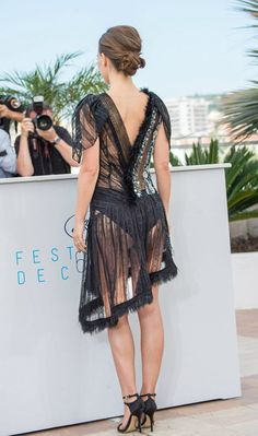"""Natalie Portman in Dior – Photocall pour """"A Tale of Love and Darkness"""", Festival de Cannes – 17 mai 2015 Natalie Portman Star Wars, Natalie Portman Hot, Natalie Portman Bikini, Natalie Dormer Bikini, Beautiful Natalie Portman, Emma Watson Beautiful, Emma Watson Sexiest, Beautiful Celebrities, Beautiful Actresses"""