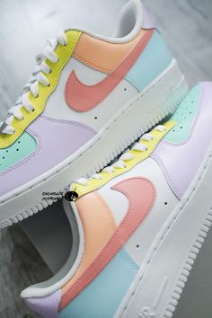 Dr Shoes, Cute Nike Shoes, Swag Shoes, Cute Sneakers, Hype Shoes, Colorful Nike Shoes, Sneakers Nike, Air Force One Shoes, Nike Shoes Air Force