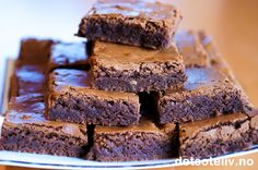 Dette er den PERFEKTE oppskrift for deg som er ute etter myke og saftige… Fudge Brownies, Brownie Bar, Norwegian Food, Dessert For Dinner, Let Them Eat Cake, Sweet Recipes, Cravings, Sweet Tooth, Dessert Recipes