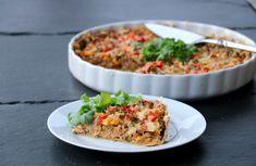 Enkel, knallgod tacopai med grov bunn - LINDASTUHAUG Fried Rice, Guacamole, A Food, Tacos, Yummy Food, Cooking, Ethnic Recipes, Red Peppers, Kitchen
