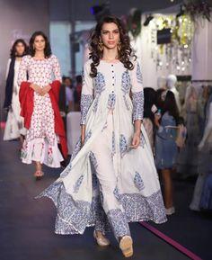 Designer dresses - Shop for designer dresses Kurti Neck Designs, Kurta Designs Women, Kurti Designs Party Wear, Dress Indian Style, Indian Fashion Dresses, Indian Outfits, India Fashion, Stylish Dress Designs, Designs For Dresses