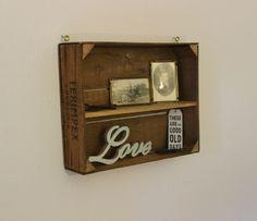 Wanddeko - Holzkiste Wandregal natur - ein Designerstück von Pfaennle bei DaWanda Industrial, Good Old, Magazine Rack, Designer, Etsy, Storage, Furniture, Home Decor, Deco Wall