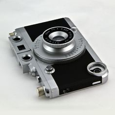 Vintage Camera iPhone Case.    Want!!
