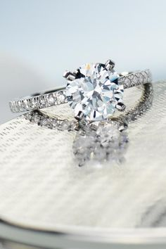 The perfect #engagement ring. #BlueNile