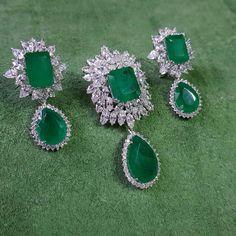 @silvredge. Beautiful Pendant & Earrings