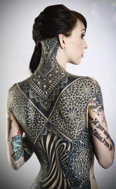 Spotlight: Das aufstrebende Talent Glenn Cuzen This fantastic piece was made on his wife . et art corporel Full Back Tattoos, Full Body Tattoo, Back Tattoo Women, Body Art Tattoos, Girl Tattoos, Tattoos For Women, Tattooed Women, Backpiece Tattoo, Le Talent
