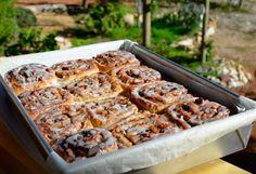 i eat vegan: old-school sticky cinnamon buns #vegan #whatveganseat #vegantreats