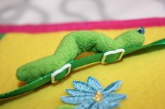 Cute Inch Worm Idea...website is in another language, but has great pictures