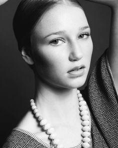 #editorial #blackandwhite #hellentorres #torreshellen #fashionshoot #flawlessmakeup