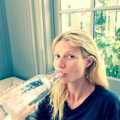 Pin for Later: Die Stars liefern den Beweis: Es geht sehr wohl auch mal ohne Makeup Gwyneth Paltrow