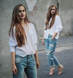 White shirt & boyfriend jeans with heels