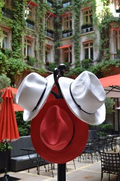 Protect from the sun with our Plaza Athénée's hat!