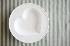 These heart bowls are great for soups, pasta and desserts & a stunning gift for a friend Soup Bowls, Soups, Hearts, Pasta, Packaging, Lunch, Romantic, Plates, Dinner