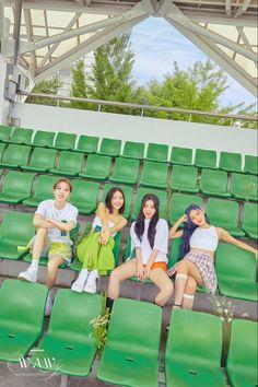 South Korean Women, Mamamoo Kpop, Blackpink Fashion, Album Songs, Kpop Groups, Girl Group, Female, Concert, Wallpapers