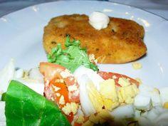 Salmão Panado com Salada Russa