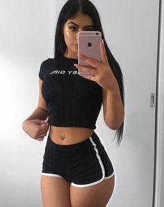 Mode Outfits, Trendy Outfits, Summer Outfits, Girl Outfits, Fashion Outfits, Fashion Shorts, Chic Outfits, Fashion Trends, Outfit Online