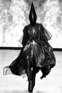 OK, I'm considered to be kinky but this would scare me at a BDSM party, let alone a fashion runway!