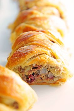 Sausage Apple Puff Pastry Braid Recipe ~ This would make a great Holiday dish for family style eats!