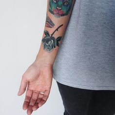 #rosetattoo #blackandwhite #sashaunisex #tigertattoo... - http://tattoos.today/2016/12/03/rosetattoo-blackandwhite-sashaunisex-tigertattoo/