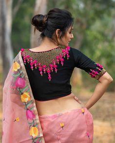 Blouse Back Neck Designs, Simple Blouse Designs, Stylish Blouse Design, Fancy Blouse Designs, Bridal Blouse Designs, Design Of Blouse, Latest Saree Blouse Designs, Peacock Blouse Designs, Indian Blouse Designs