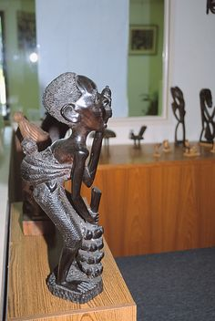 The African American Museum of the Arts in DeLand, FL is the region's only museum devoted primarily to African American and Caribbean American cultural art. It is home to a permanent collection of more than 200 artifacts, including sculptures and ceremonial masks from countries of Africa.  Houses a revolving gallery where visitors will find works of both established and emerging artists - West Volusia Tourism Advertising Authority