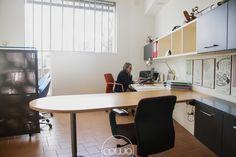Coworking a Cordenons Pordenone @ mod-o - Rete Cowo Coworking Network Corner Desk, Conference Room, Table, Furniture, Home Decor, Corner Table, Decoration Home, Room Decor, Tables