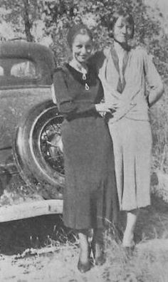 Bonnie and Clyde Page 1 Bonnie And Clyde Bodies, Bonnie And Clyde Pictures, Bonnie And Clyde Quotes, Bonnie Clyde, Bonnie Parker, Famous Outlaws, Elizabeth Parker, The Babadook, Real Gangster