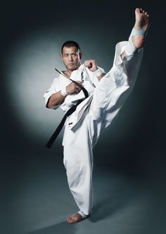Kenji Yamaki, one of only 14 people in the world to have endured the 100-man kumite