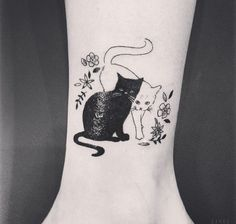 Take a look at these 40 Beautiful Cat Tattoos and get inspired!