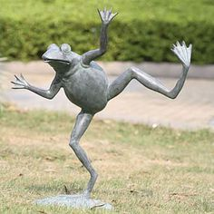 Lovely Dancing Frog Garden Spitter Sculpture  It Cracks Me Up!