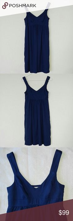 Lands' End Canvas Dress Navy blue, fully lined and zips at the side! This dress is so cute and you can tell how well it's made just by looking at it! It's in like-new condition and it has pockets! Thanks for looking! Lands' End Dresses Mini