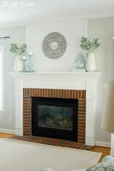 https://i.pinimg.com/236x/7f/d3/ea/7fd3eadbcd61991570ceb794bee37ab8--fireplace-mantle-ideas-simple-fireplace.jpg