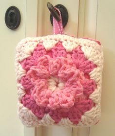Little granny square pillow made by me :)