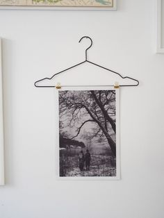Tauluja ja henkareita | Alternative way to hang pictures on the walls - Pupulandia | Lily.fi