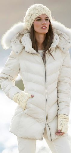 canada goose JACKETS is on clearance sale, the world lowest price.